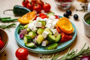 Görög saláta tányéron