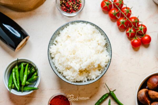 Jázmin rizs tányéron