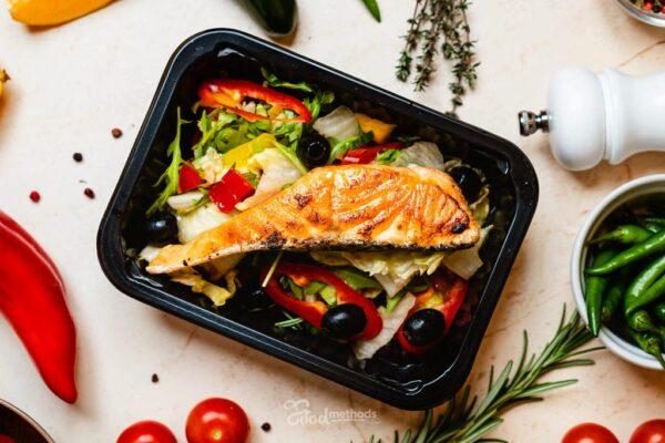 Lazac saláta dobozban