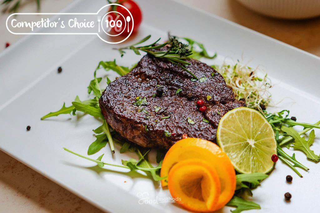 Bélszín steak tányéron